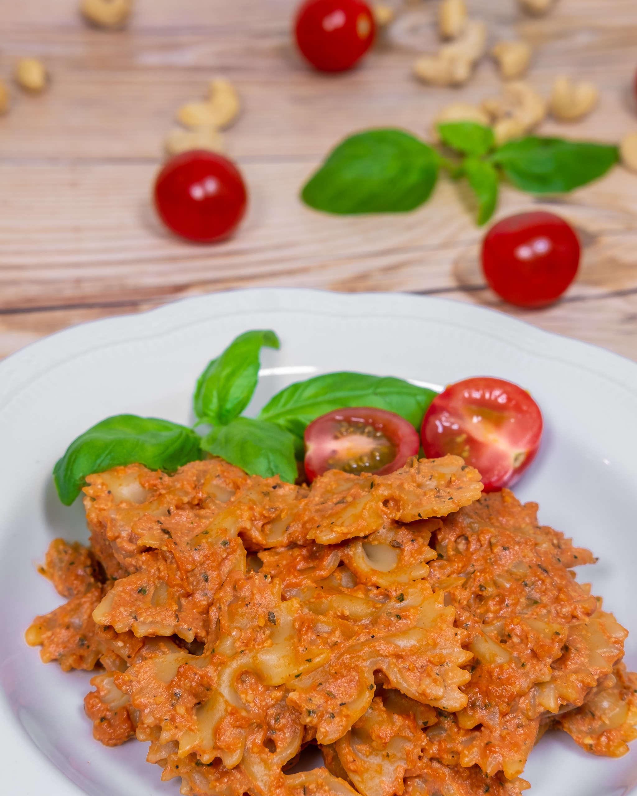 Easy to make tomato sauce pasta