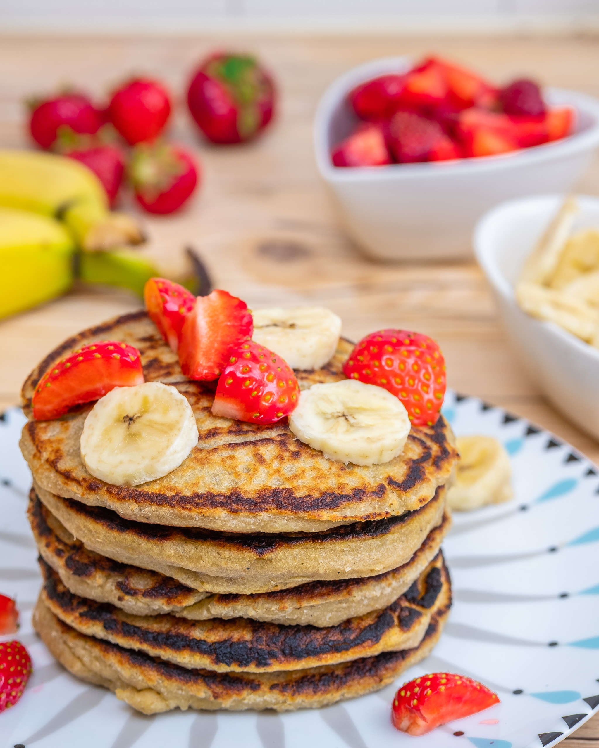 Vegan banana pancakes with cardamom