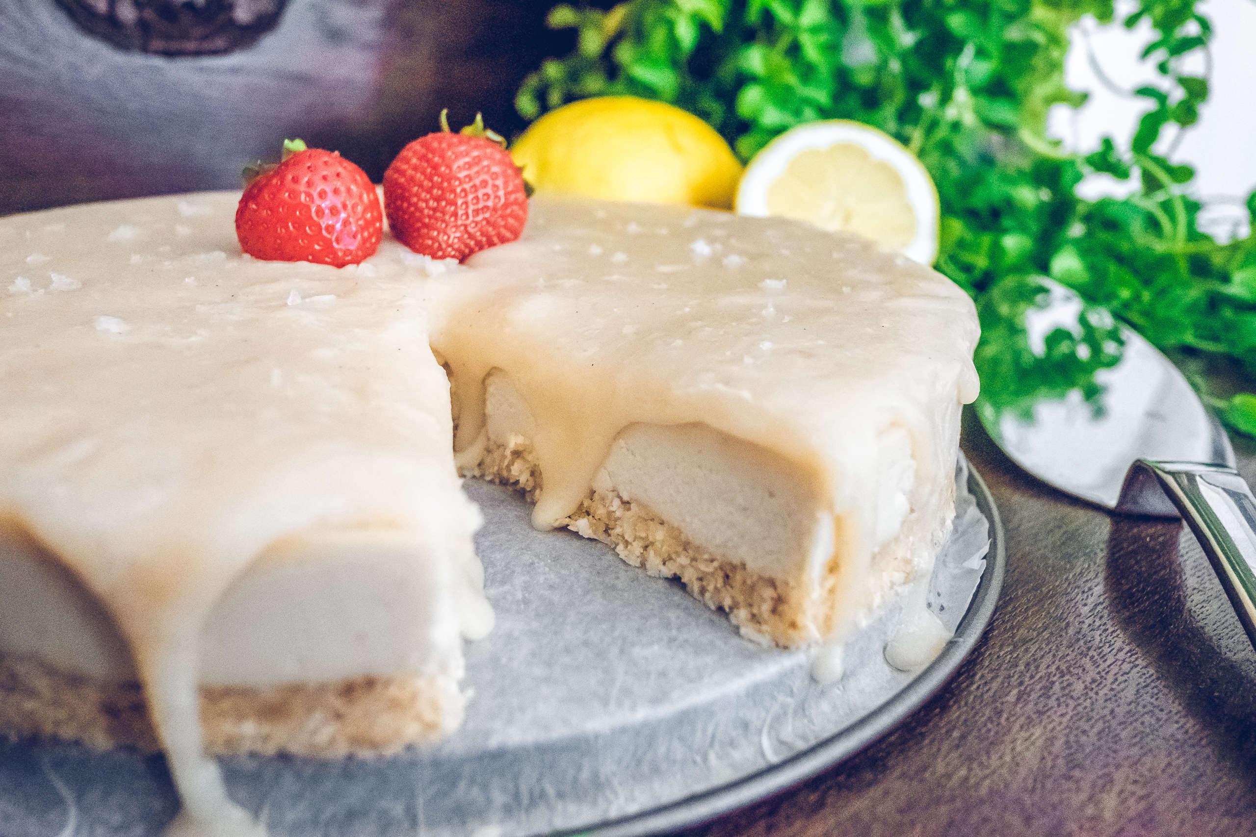 Raw vegan coconut caramel cheesecake