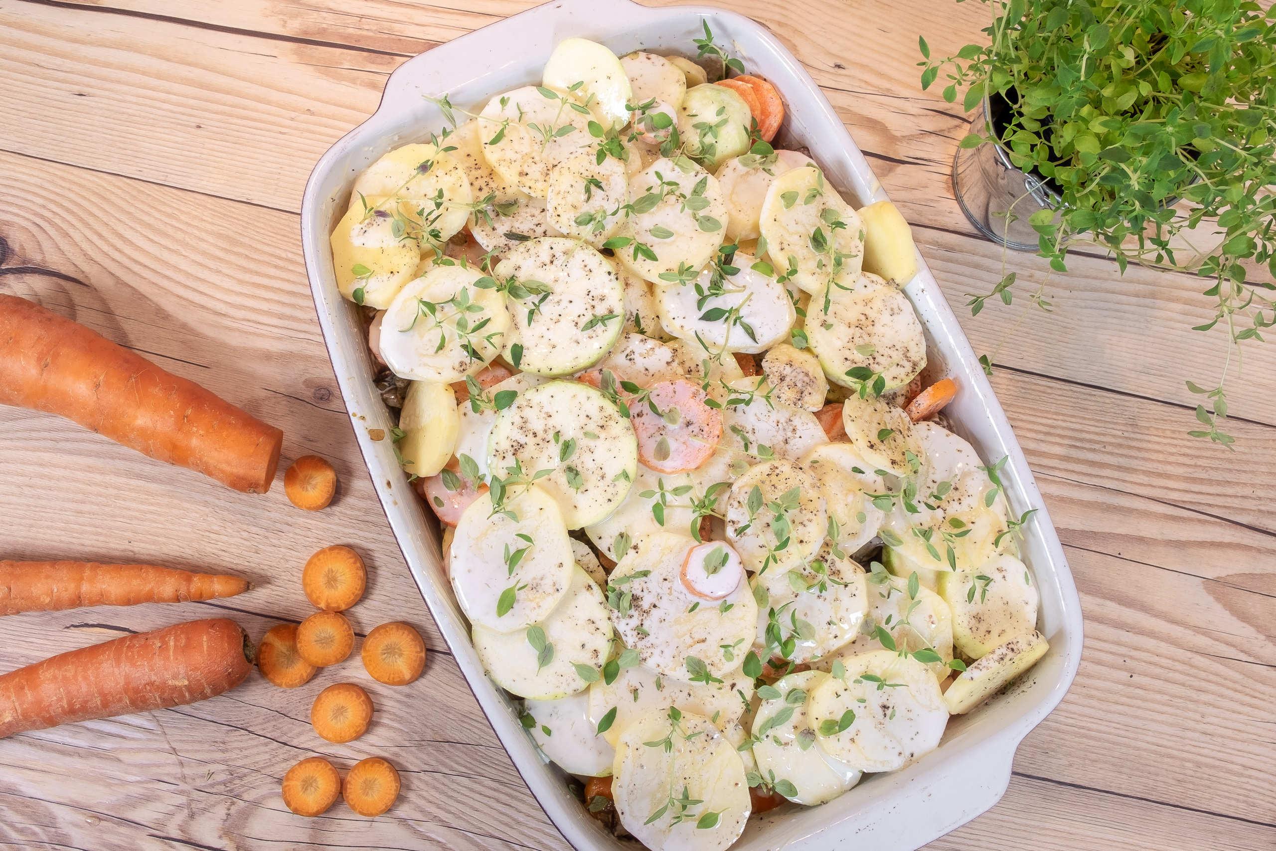 Zucchinigratäng med potatis och timjan