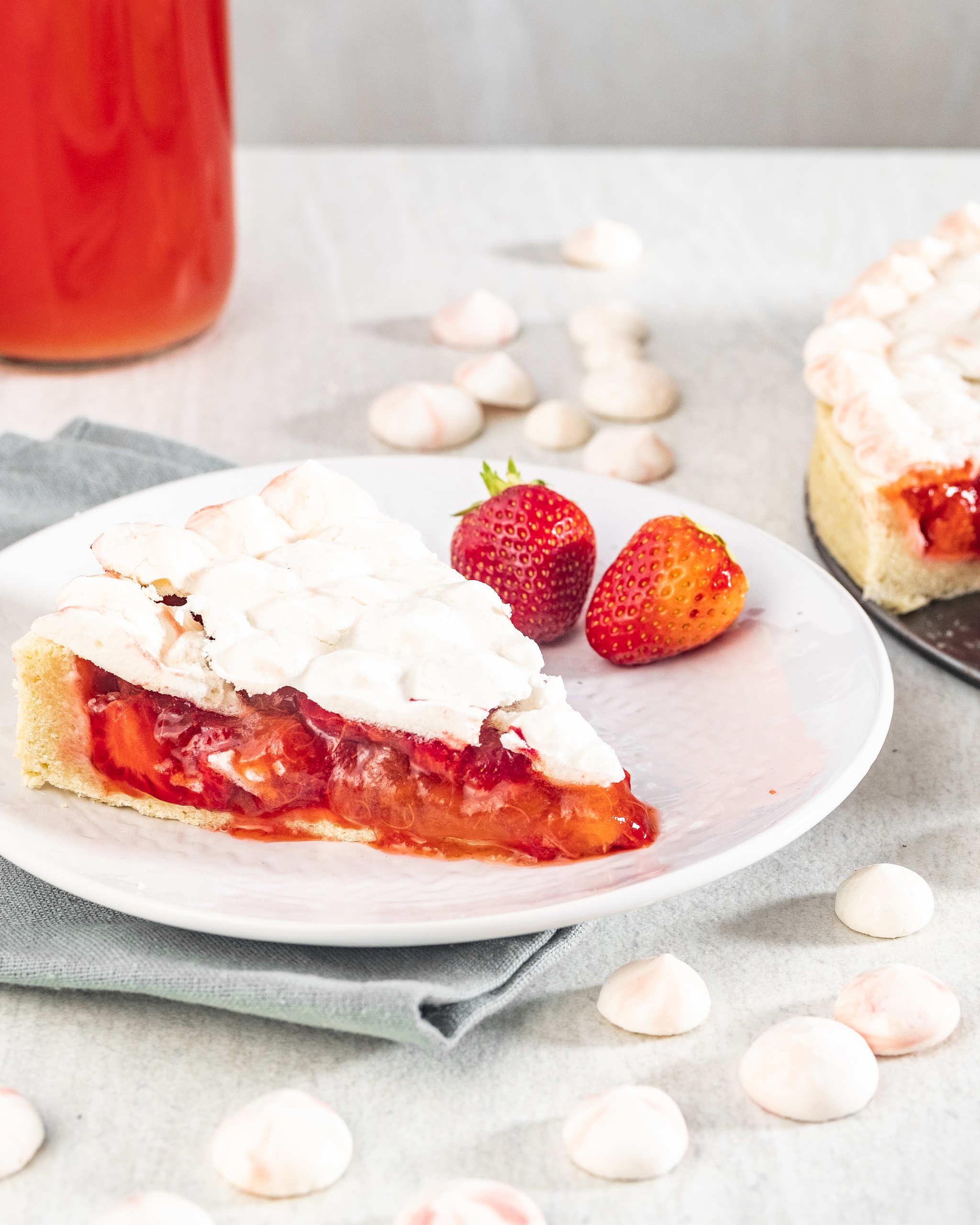 Vegan rhubarb pie with meringue cover