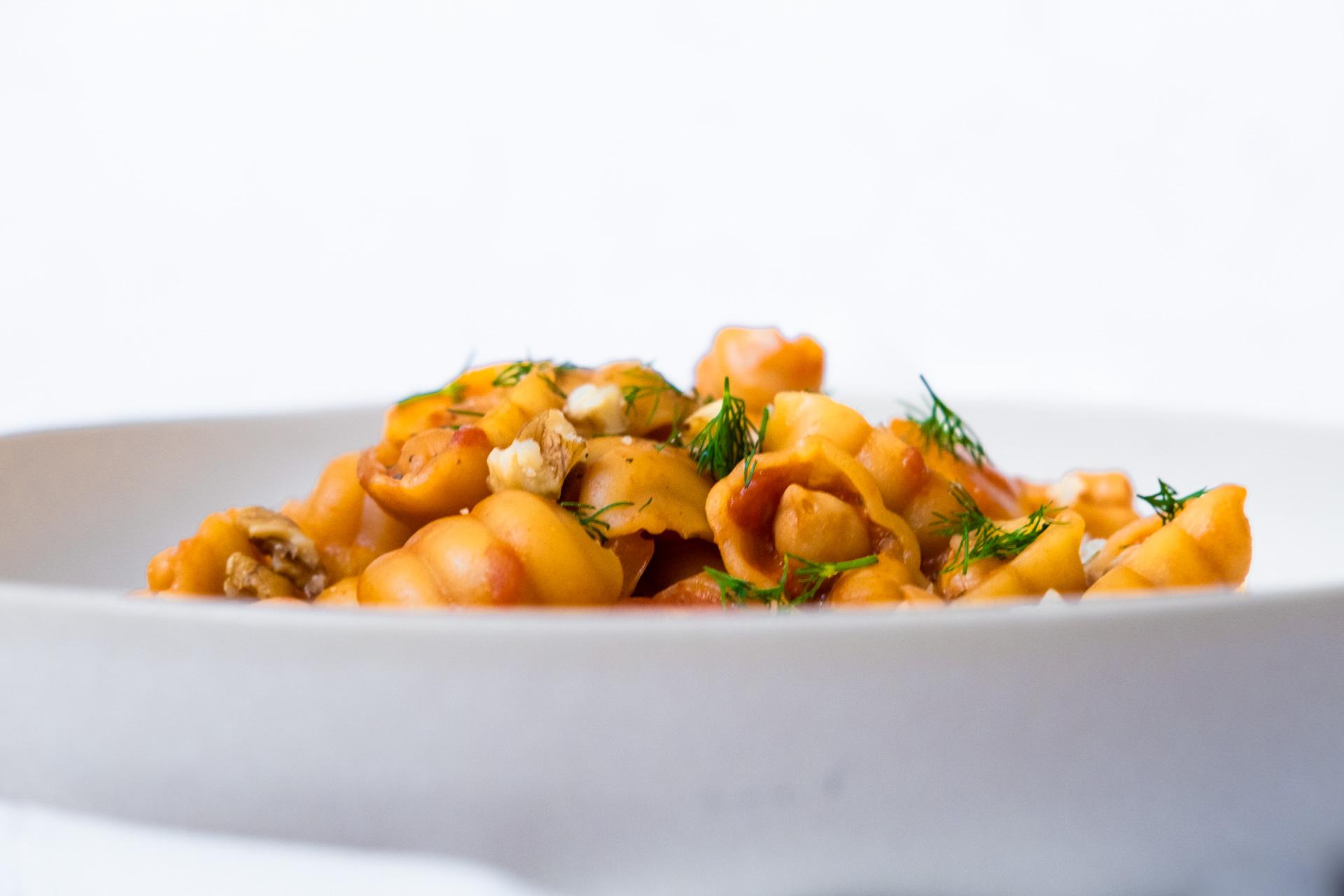Vegansk one pot pasta kikärtor tomat