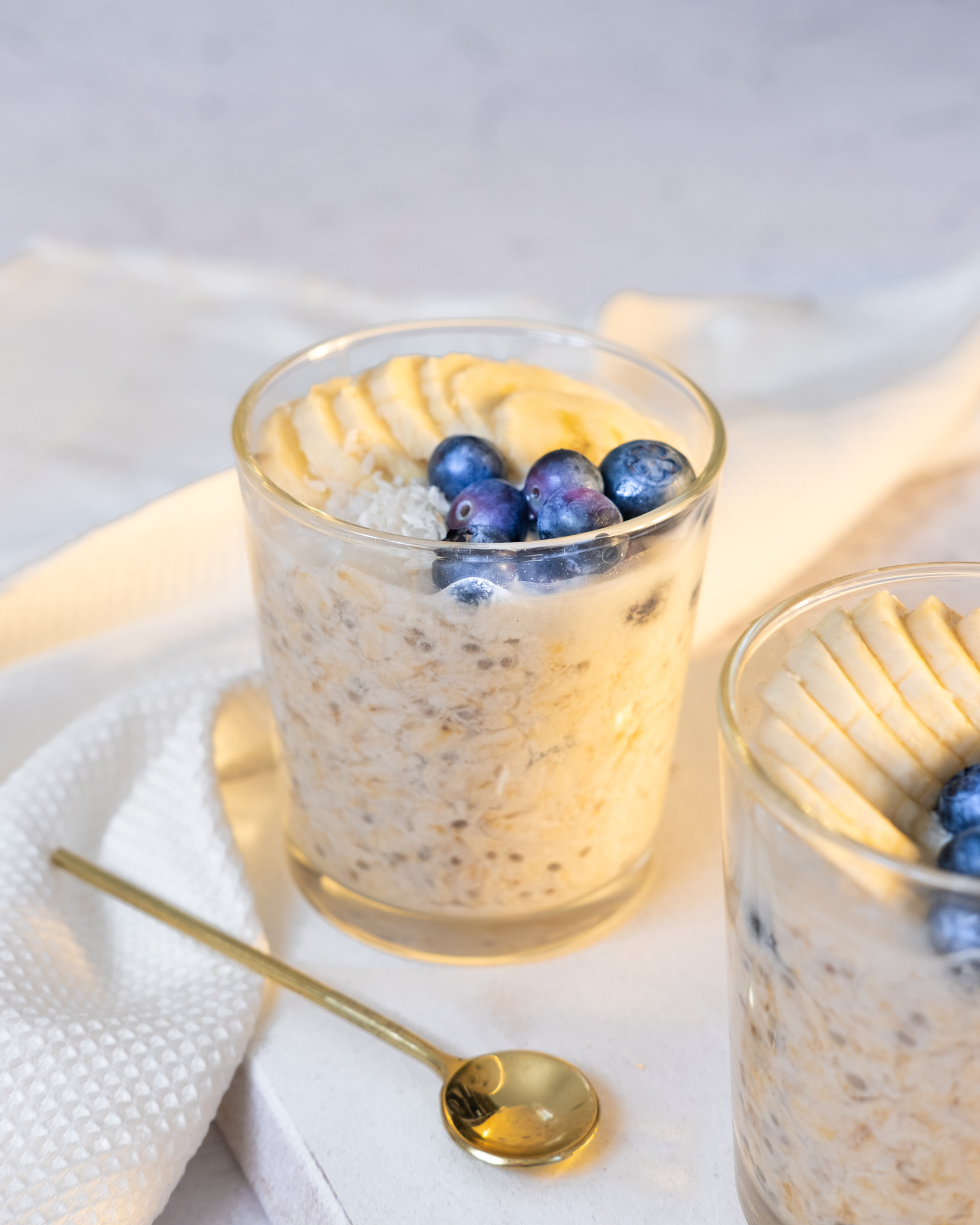 Overnight oats with blueberries and banana